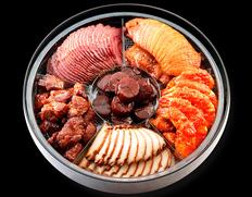四川飯店のシェフが総出で作る究極の「中華おせち」