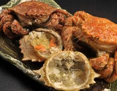 毛蟹では味わえない濃厚な内子を堪能!陸奥湾の「活けトゲクリガニ(桜蟹)」