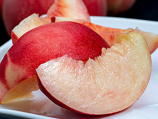 福島県産「菱沼農園の5品種桃リレー」の商品画像