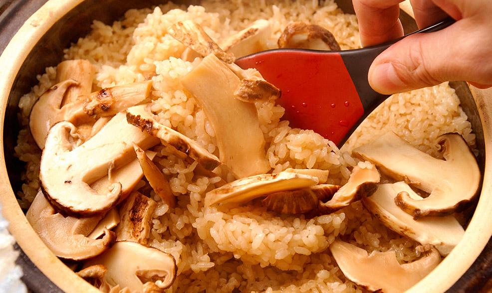 松茸料理レシピ「国産松茸ご飯」