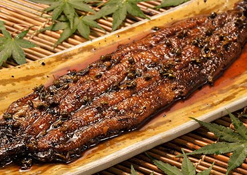 国産うなぎ通販。魚三の「鰻の山椒しぐれ煮」の商品画像