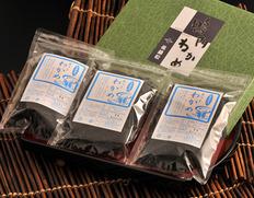 『カット糸わかめ(湯通し) 』 徳島県鳴門産 約24g×3袋  化粧箱入