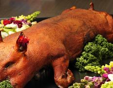 【予約券】 仔豚の丸焼き (焼き加工前4.5〜5.5kg) 焼き加工済み